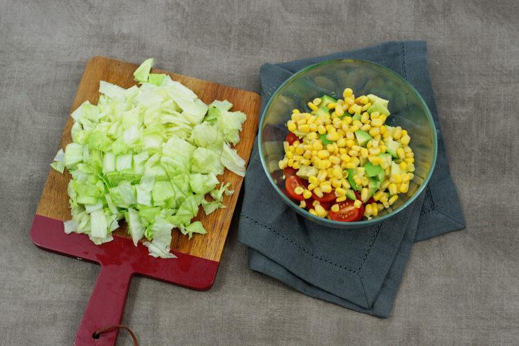 Sałatka z kukurydzą, boczkiem i awokado - Krok 3