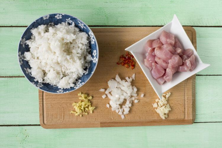 Ryż smażony z indykiem i kukurydzą - Krok 1