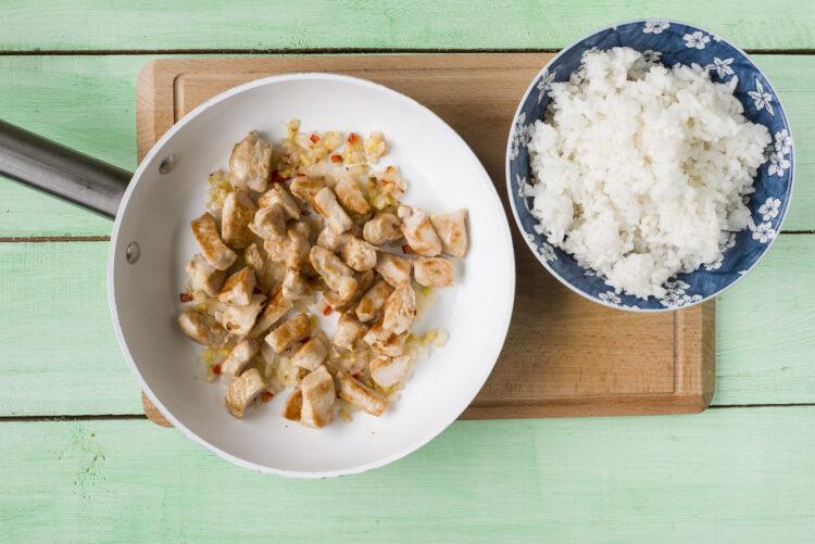Ryż smażony z indykiem i kukurydzą - Krok 4