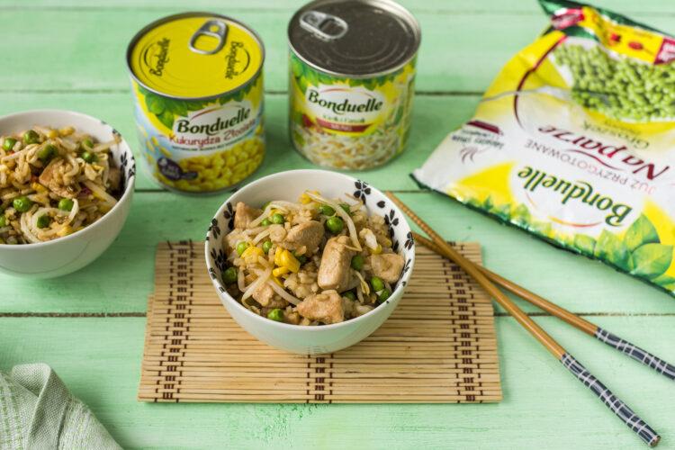 Ryż smażony z indykiem i kukurydzą
