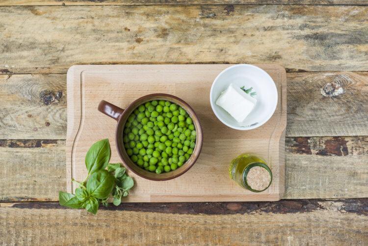 Chłodnik z zielonego groszku - Krok 1