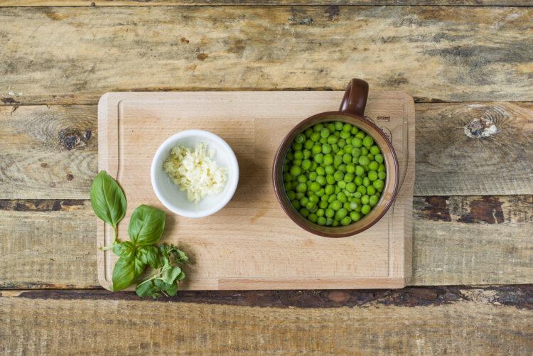 Chłodnik z zielonego groszku - Krok 2