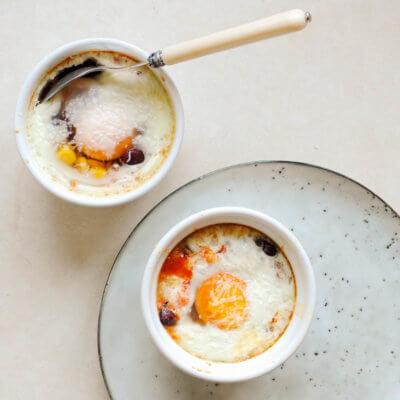 Jajka w kokilkach z kukurydzą i fasolką - Krok 4