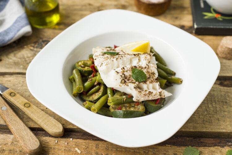 Dorsz z warzywami z patelni - Krok 6