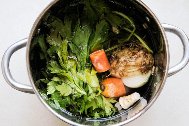 Zielona zupa z kurkami - Krok 2