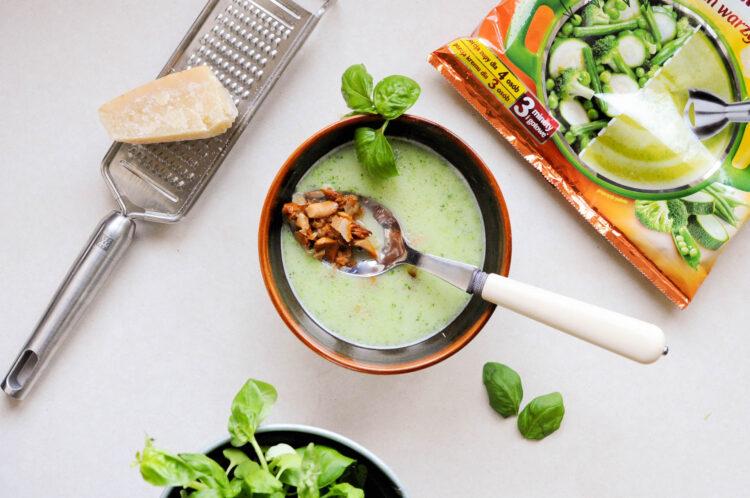 Zielona zupa z kurkami - Krok 6