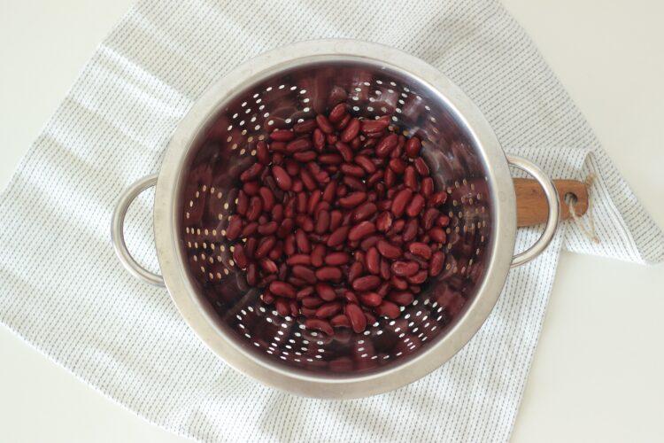 Słodki kakaowy krem z czerwonej fasoli - Krok 1