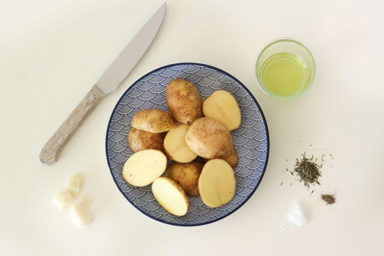 Sałatka z cieciorką i ziemniaczkami - Krok 2