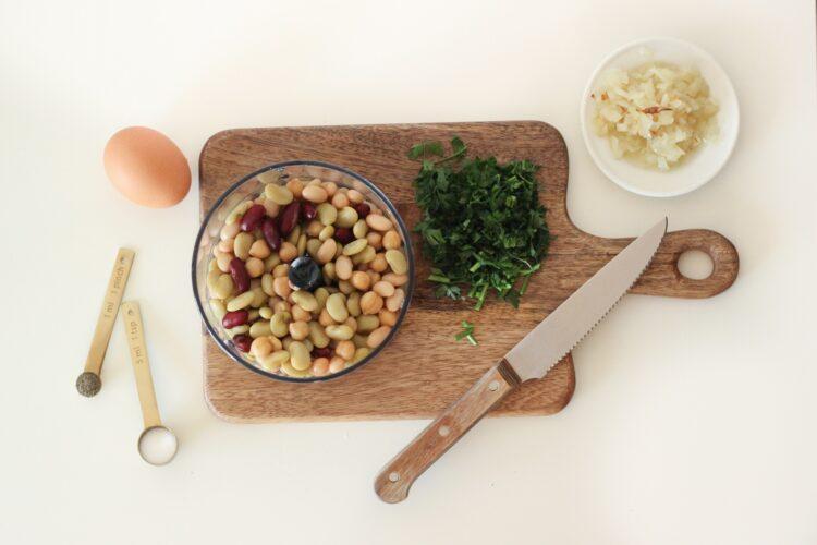 Warzywne kulki w sosie szpinakowym - Krok 3