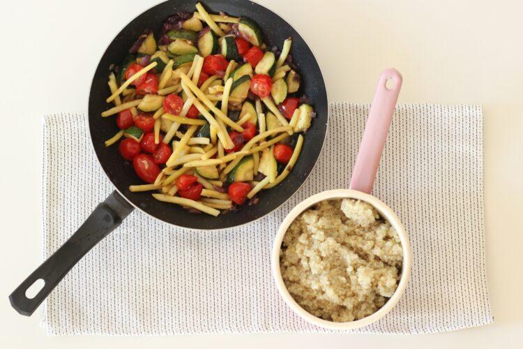 Komosa z fasolką i pomidorkami - Krok 3