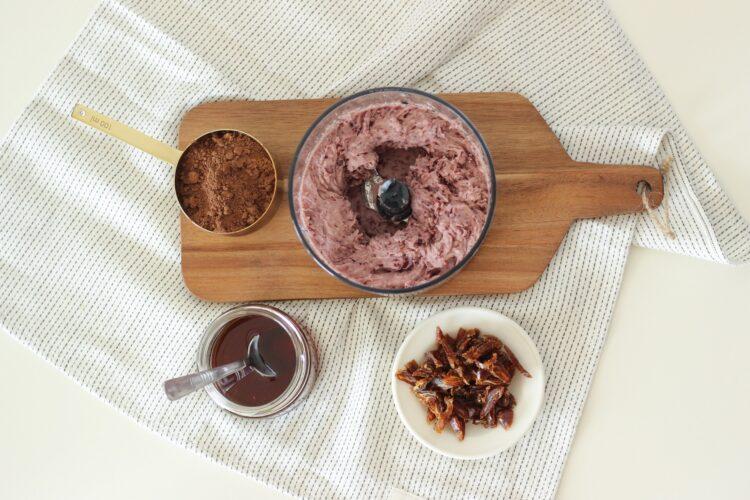 Słodki kakaowy krem z czerwonej fasoli - Krok 4