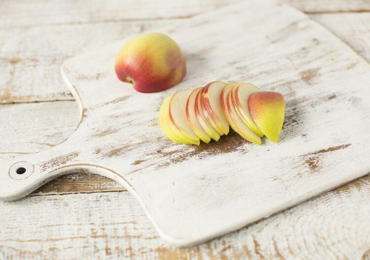 Sałatka z jabłkiem i kiełkami fasoli Mung - Krok 2
