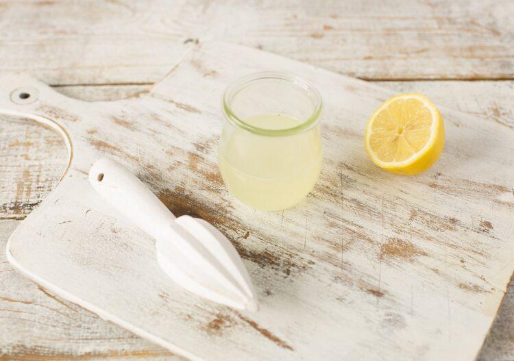 Sos czosnkowy z białą fasolą - Krok 2