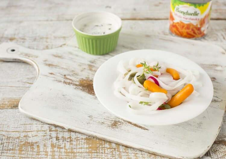 Sałatka z bobem i marchewką