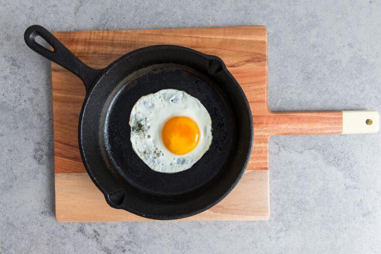 Tosty z fasolą i jajkiem - Krok 3