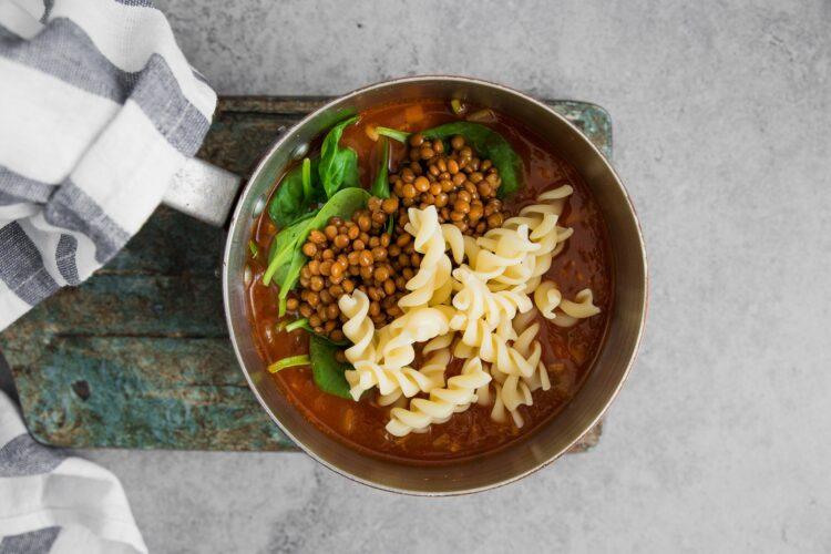 Zupa z brązową soczewicą - Krok 6