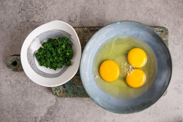 Omlet szpinakowy - Krok 2