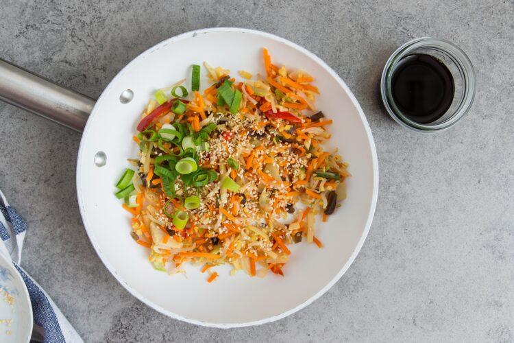 Omlet z warzywami  po azjatycku - Krok 4