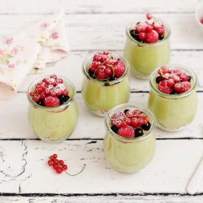 Miniserniczki szpinakowe z owocami