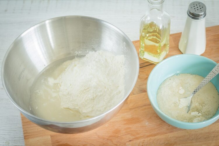 Drożdżowe bułeczki na parze z wieprzowiną i mieszanką chińską - Krok 1