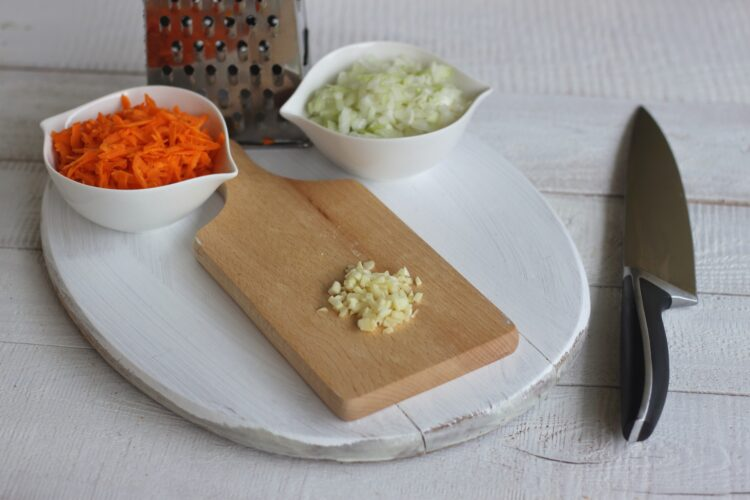 Pasztet wegetariański z zielonym groszkiem - Krok 1