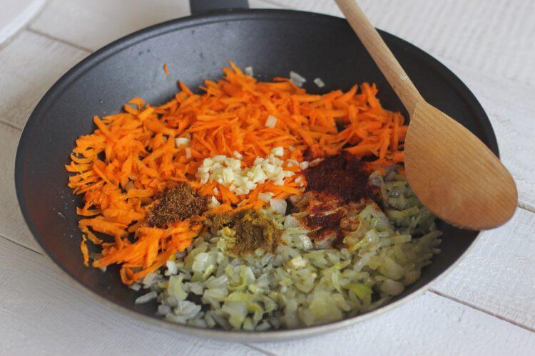 Pasztet wegetariański z zielonym groszkiem - Krok 2