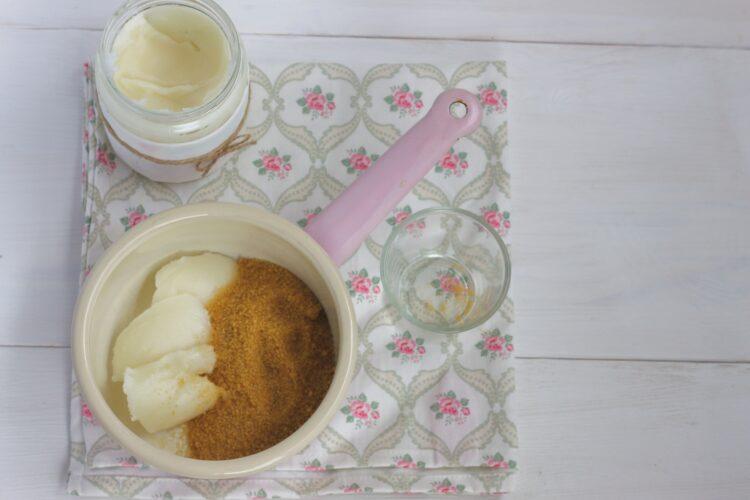 Ciasto czekoladowe ze śliwkami - Krok 2