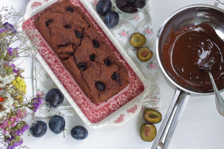 Ciasto czekoladowe ze śliwkami - Krok 5