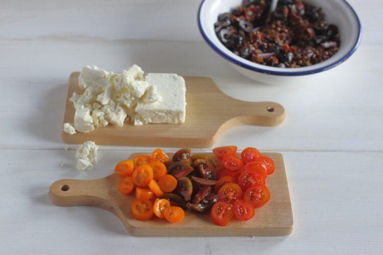 Sałatka z soczewicy z suszonymi pomidorami i fetą - Krok 3