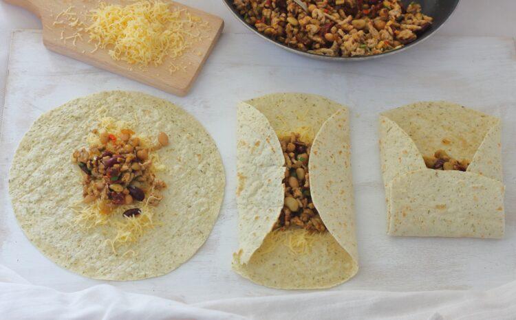 Meksykańska chimichanga z wieprzowiną, fasolą i cieciorką - Krok 4