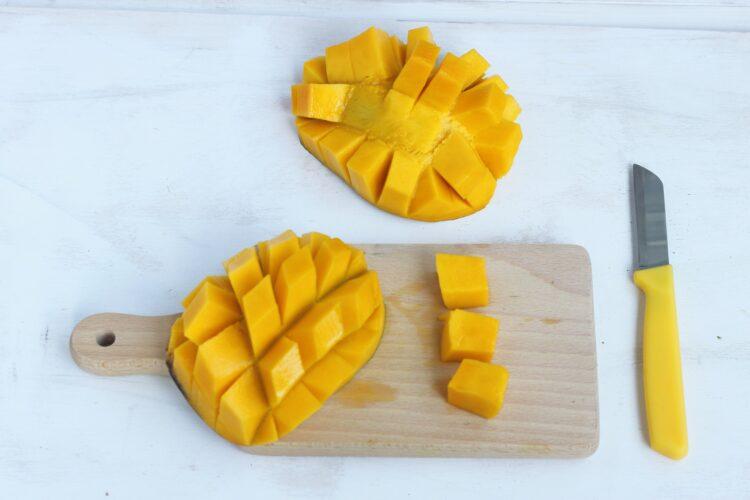 Salsa z mango, fasoli i cieciorki - Krok 1