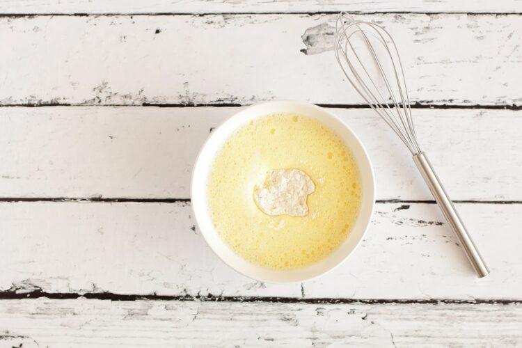 Omlet hawajski z szynką i kukurydzą - Krok 2
