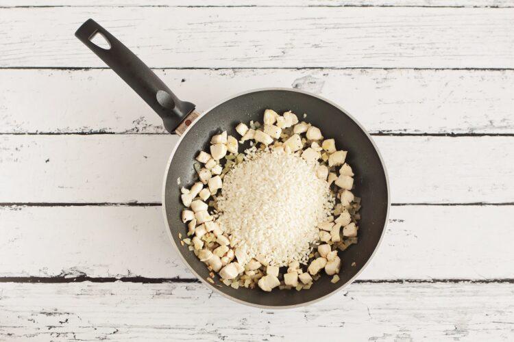 Risotto z kurczakiem, kukurydzą i groszkiem - Krok 2