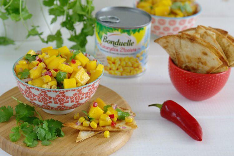 Salsa mango z kukurydzą i chili