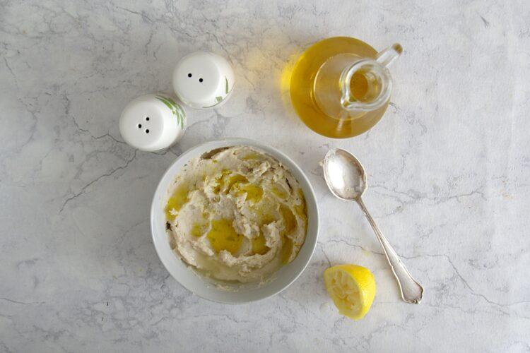 Tartinki z pastą z fasoli i oliwkami - Krok 3