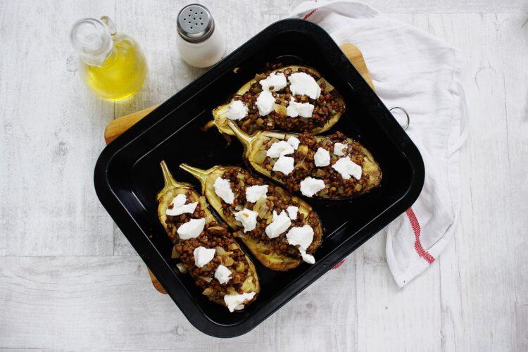 Bakłażan faszerowany soczewicą i kozim serem - Krok 4
