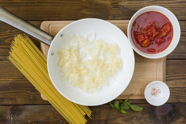 Spaghetti z ciecierzycą - Krok 1