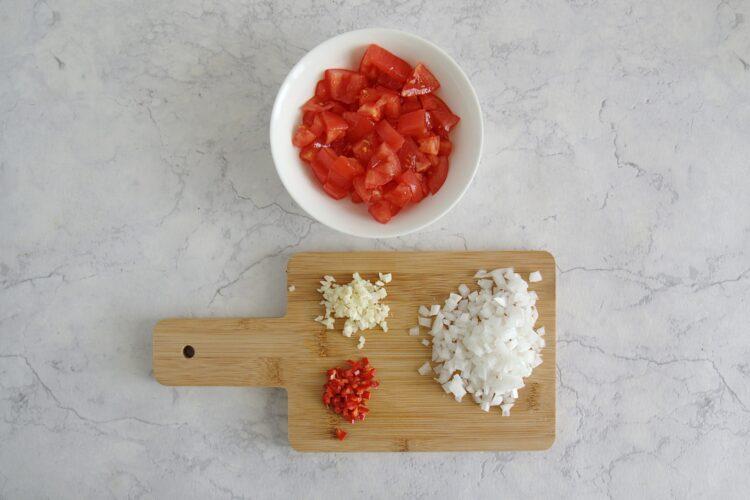 Bakłażany faszerowane kaszą, pomidorami i soczewicą - Krok 2
