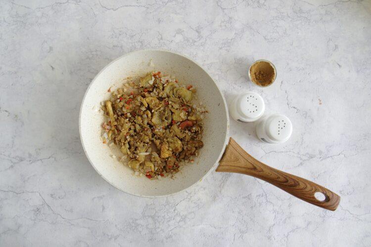 Bakłażany faszerowane kaszą, pomidorami i soczewicą - Krok 3