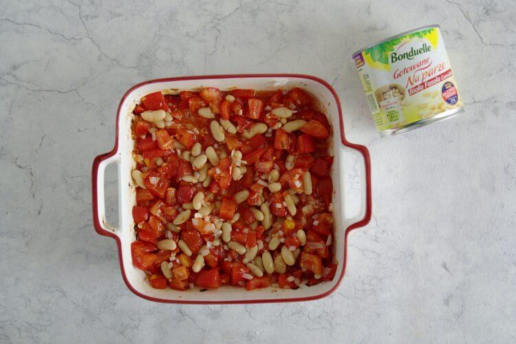 Dorsz pieczony z pomidorami i białą fasolą - Krok 2