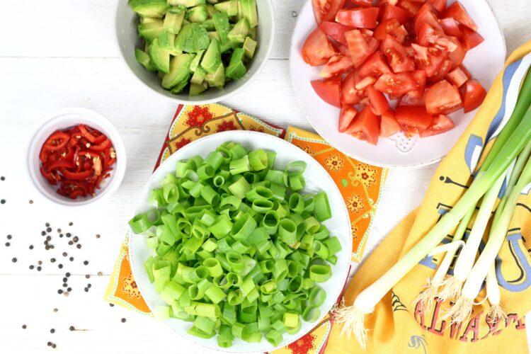 Meksykańska sałatka z krewetkami - Krok 2