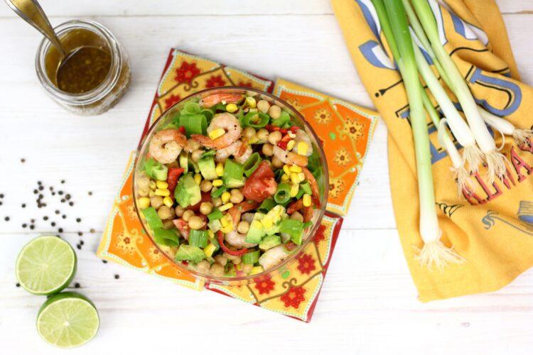 Meksykańska sałatka z krewetkami - Krok 4
