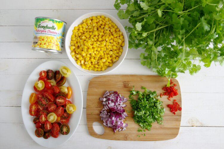 Sałatka kukurydziana - Krok 1