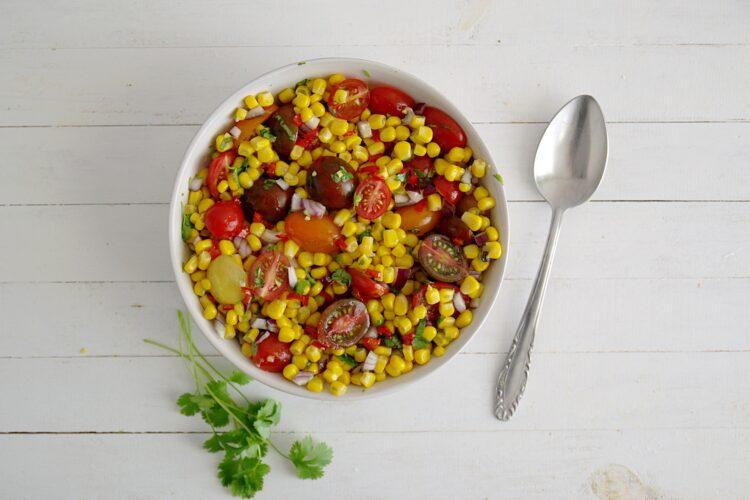 Sałatka kukurydziana - Krok 4