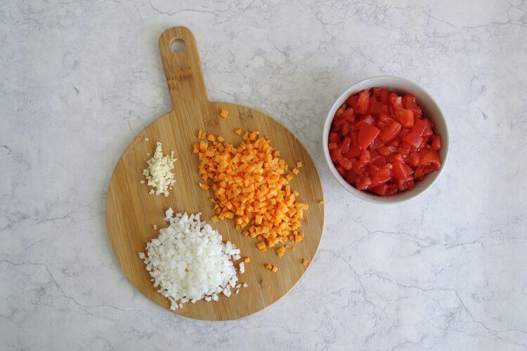 Makaron z soczewicą i pomidorami - Krok 1