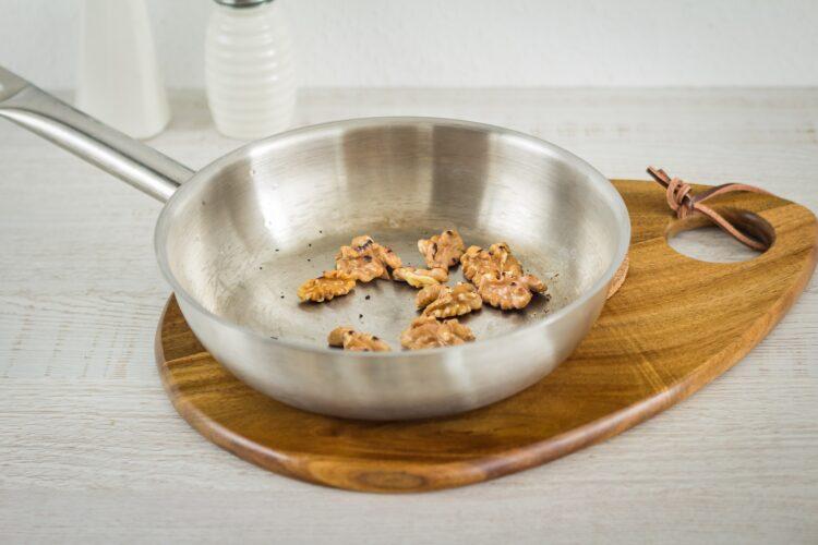 Sałatka porowa z wędzonym kurczakiem i kukurydzą z groszkiem - Krok 3