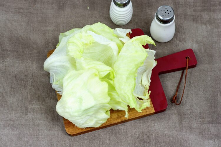 Wrapy z sałaty z tuńczykiem i cieciorką - Krok 1