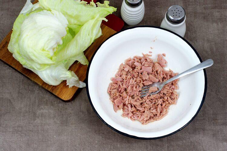 Wrapy z sałaty z tuńczykiem i cieciorką - Krok 2