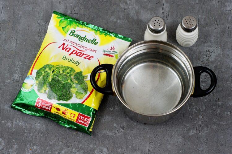 Makaron z brokułowym pesto - Krok 1
