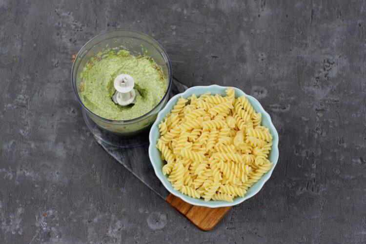 Makaron z brokułowym pesto - Krok 4